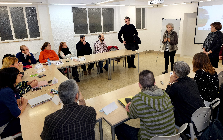 Gonz lez pescador reivindica el papel de los desempleados for Oficina empleo santander