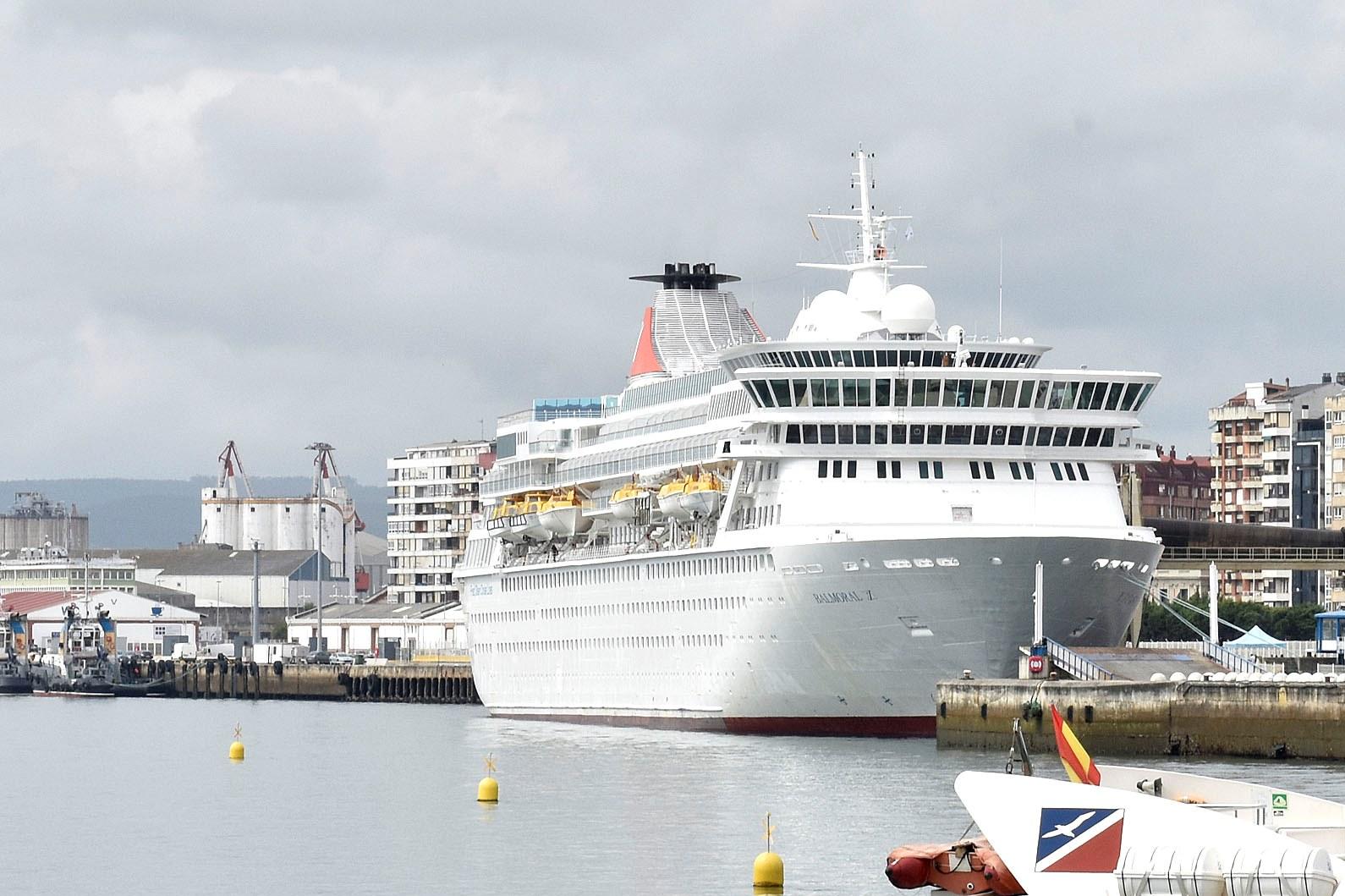 El crucero balmoral llega el jueves a santander con m s de for Oficinas fred olsen