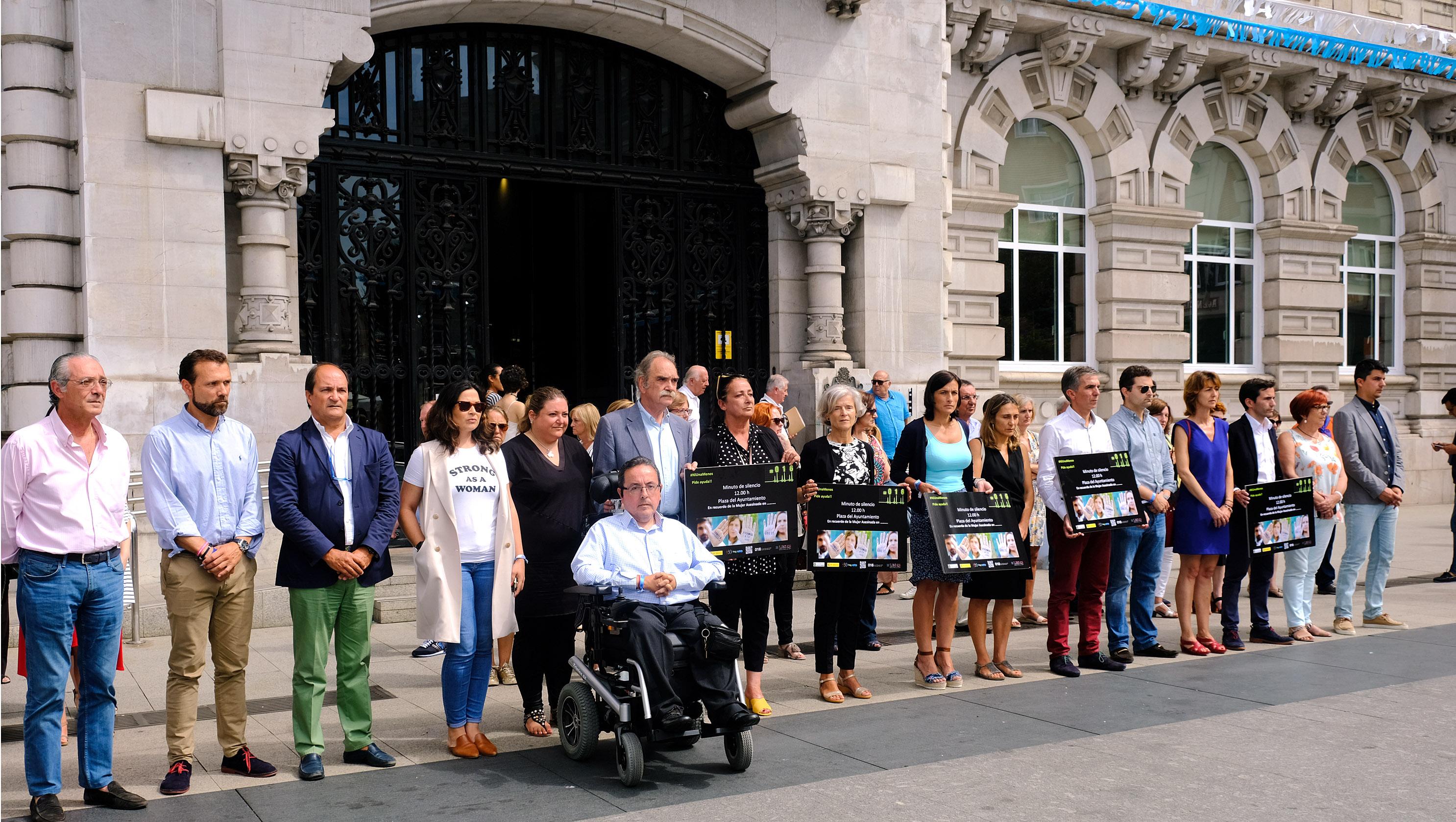 Santander recuerda a la mujer asesinada en valencia y for Santander oficinas valencia