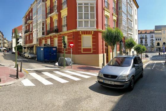 En servicio las medidas de reordenación del tráfico en el entorno de la calle Cervantes