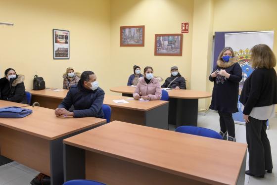 Diez personas asisten al curso de nutrición y cocina de aprovechamiento del programa 'Planifícate'