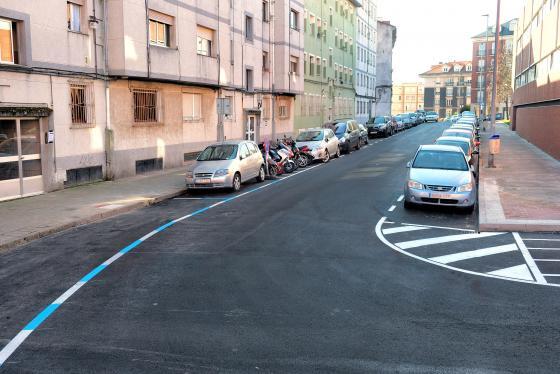 La calle María Cristina estrena firme tras finalizar las obras de asfaltado
