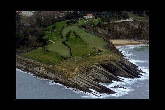 Campo Municipal de Golf  Mataleñas (vista aérea)