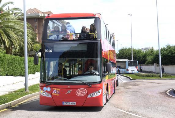 alumnos_turismo_practicas_recorrido_citytour_3.jpg