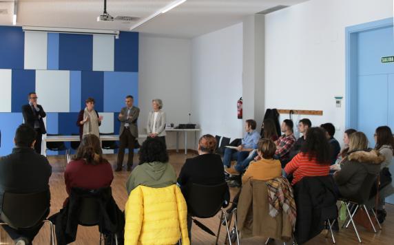 con_participantes_en_el_programa_de_empleo_juvenil_0.jpg