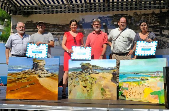entrega_premios_concurso_pintura_rapida_banos_ola_0.jpg