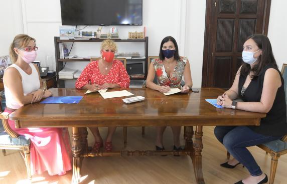 firma_convenio_colegio_enfermeria_2021_2.jpg