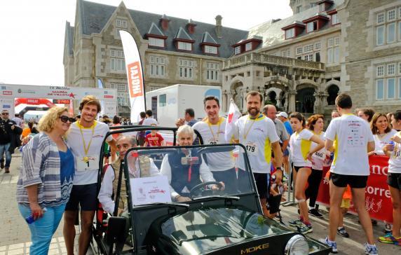 M s de quinientos corredores participan en la iv milla - Cocina economica santander ...