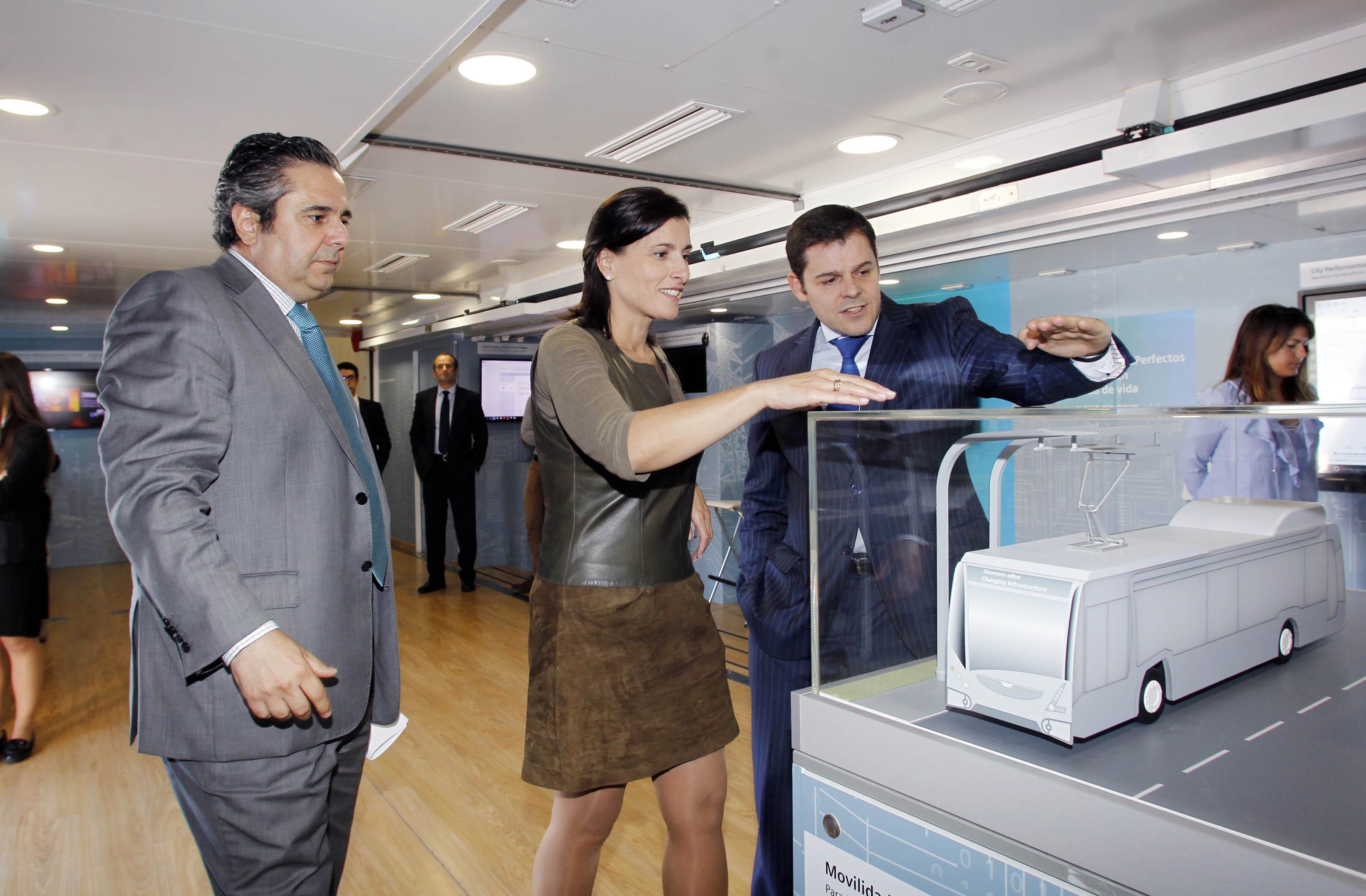 La muestra itinerante 39 smart city hub 39 de siemens llega for Oficina pelayo valladolid